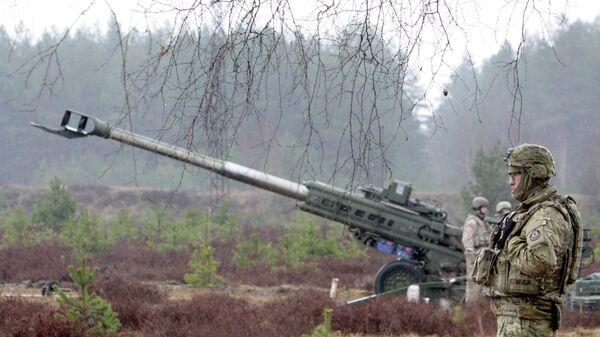 Военнослужащие блока НАТО на полигоне Адажи в Латвии. Архивное фото