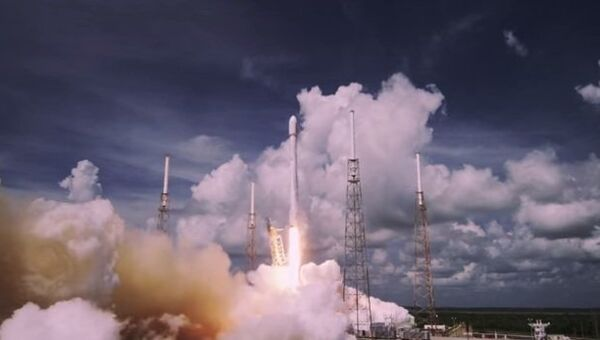Чудеса космонавтики: эпичный взлет ракеты