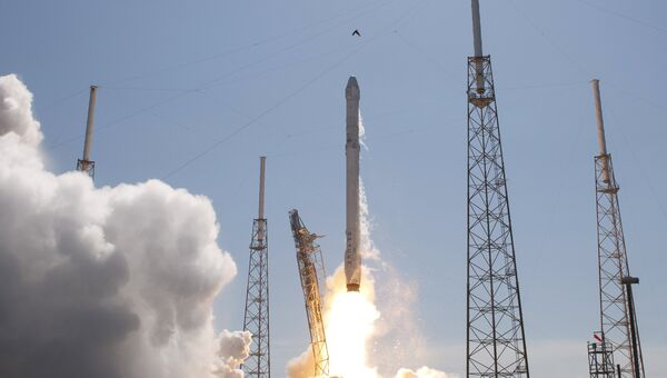 Старт ракеты SpaceX Falcon 9 с мыса Канаверал