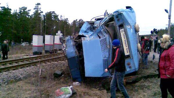 ДТП в Ленинградской области с участием рейсового автобуса и локомотива