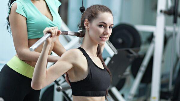 Тренировка в фитнес-клубе