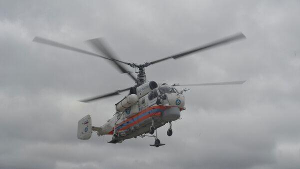 Вертолет КА-32 МЧС России с пострадавшим в ДТП на борту вылетел в Санкт-Петербург