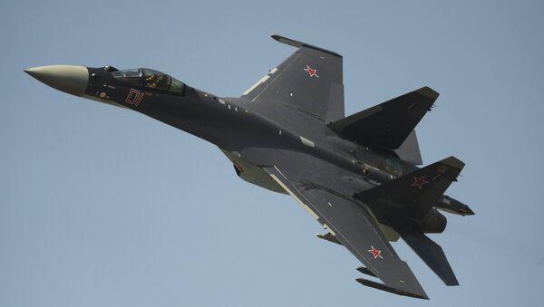 Истребитель Су-35, двигатели для которого выпускает Уфимское моторостроительное производственное объединение. Архивное фото