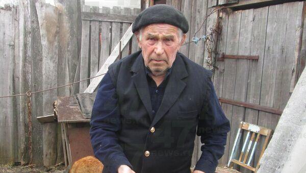 77-летний узник концлагеря Анатолий Федотов, которого школьники закидали камнями в Ленинградской области