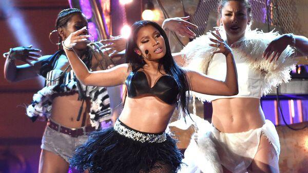Американская певица Ники Минаж выступает на церемонии вручения премии Billboard Music Awards. 17 мая 2015