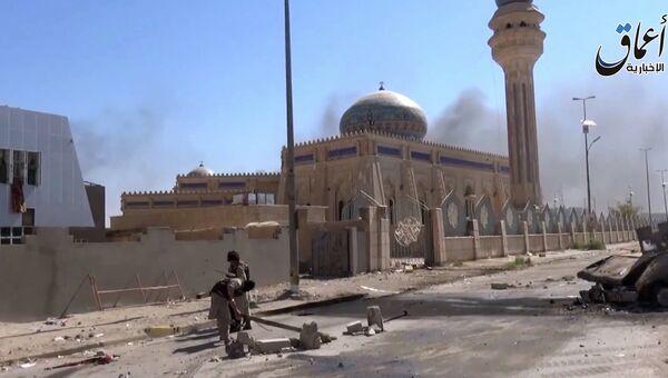Боевики ИГ на улице Эр-Рамади в провинции Анбар, Ирак. Архивное фото