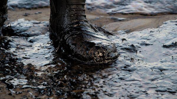 Утечка нефти в Калифорнии, США