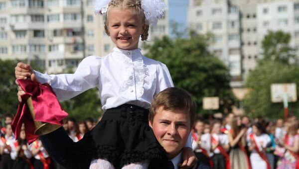 Школьники в Симферополе. Архивное фото