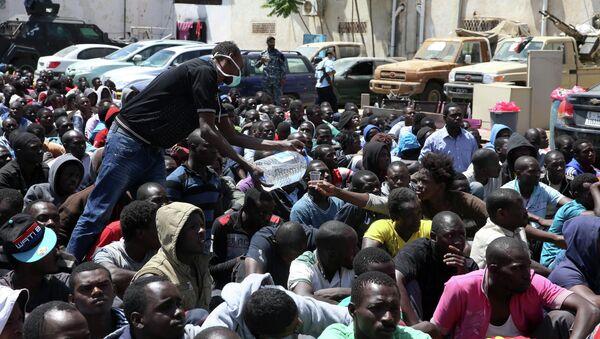 Арестованные в Ливии нелегальные мигранты