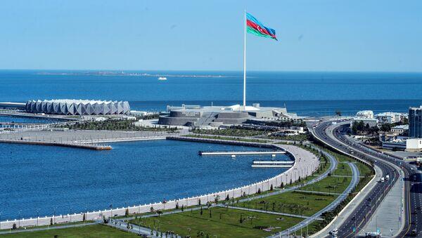 Вид на Баку со смотровой площадки. Архивное фото