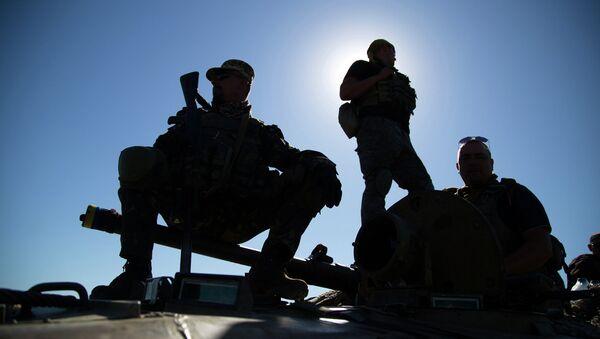 Солдаты ВСУ на позиции возле города Артёмовск. Архивное фото