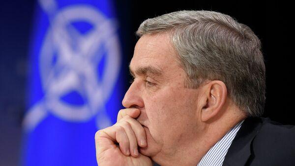 Посол США при НАТО Дуглас Льют