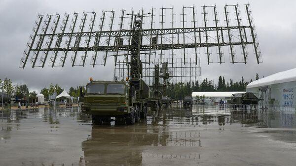 Мобильный радиолокационный комплекс 55Ж6М Небо-М в подмосковной Кубинке