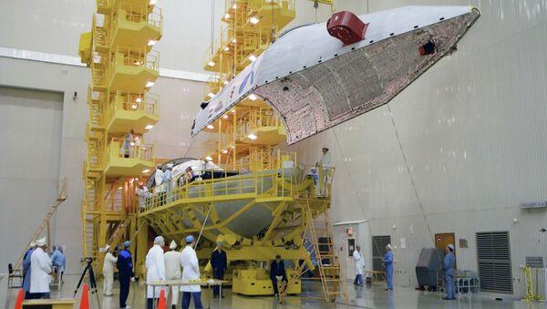 Подготовка к пуску ракеты-носителя «Протон-М» с разгонным блоком «Бриз-М». Архивное фото