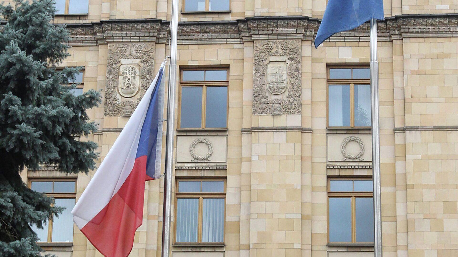 Флаг в посольстве Чехии в Москве, архивное фото - РИА Новости, 1920, 21.04.2021