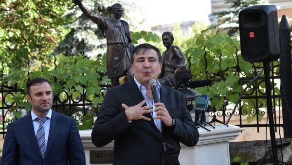 Председатель Одесской областной государственной администрации Михаил Саакашвили на встрече с жителями Одессы