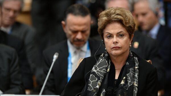 Президент Бразилии Дилма Руссефф во время встречи лидеров БРИКС