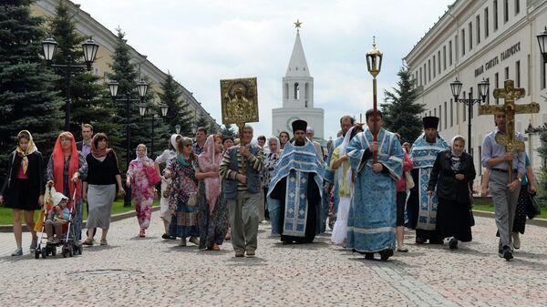 Крестный ход в праздник Казанской иконы Божией Матери. Архив