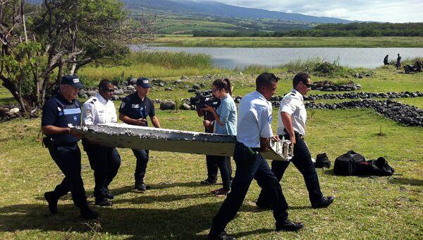 Обломки неизвестного самолета, найденные на Реюньон