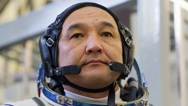 Участник основного экипажа МКС-45/46/ЭП-18 космонавт Республики Казахстан Айдын Аимбетов. Архивное фото