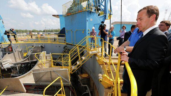 Дмитрий Медведев во время посещения космодрома Восточный. Архивное фото