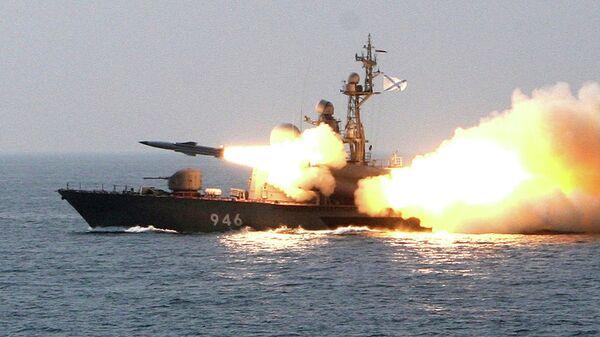 Пуск сверхзвуковой противокорабельной ракеты Москит с ракетного катера