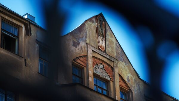 Дом №24 на Лахтинской улице в Санкт-Петербурге. Архивное фото