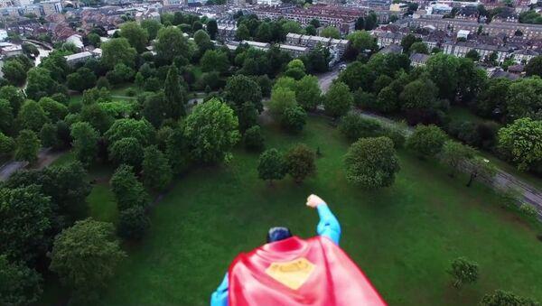 Супермен над Лондоном