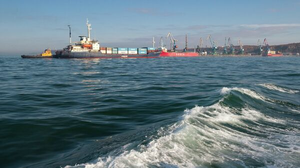 Корсаковский морской порт. Архивное фото