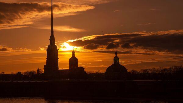Петропавловская крепость и собор Петра и Павла. Архивное фото