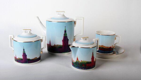 Чайный сервиз Кремль. Экспонат выставки Стаса Намина Фарфоровые сны