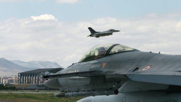 Истребитель F-16 ВВС Турции. Архивное фото