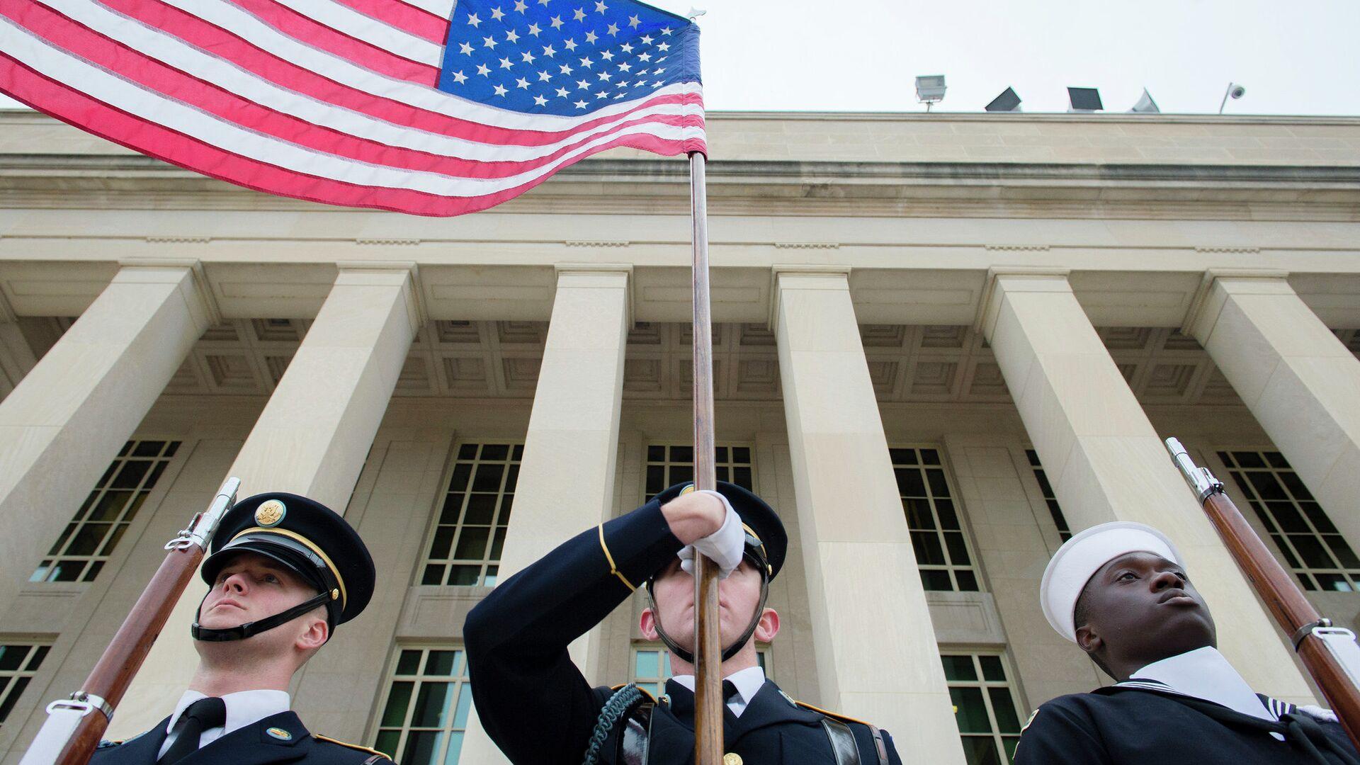 Военные США у здания Пентагона - РИА Новости, 1920, 28.09.2021