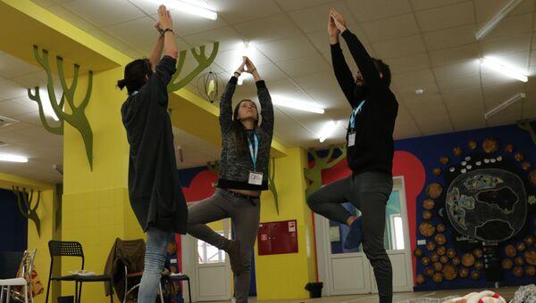 Волонтеры первой подростковой программы фонда Шередарь