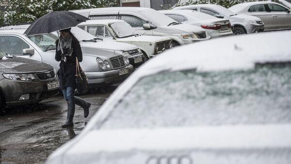 Снег в Москве. Архивное фото