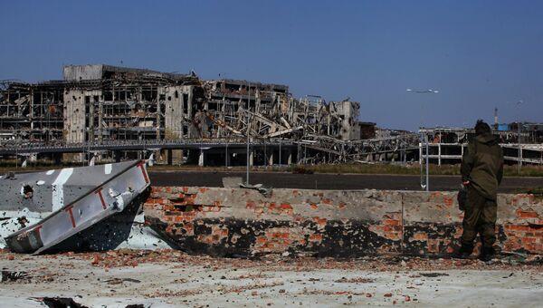 Здание аэропорта города Донецка, разрушенного в ходе боевых действий на Юго-Востоке Украины. Архивное фото