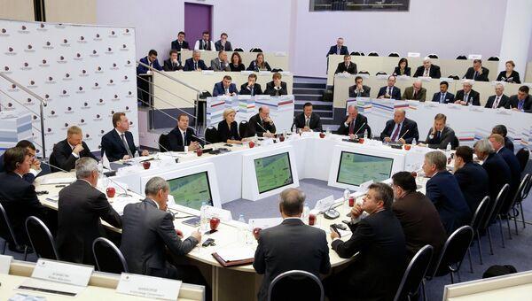 Премьер-министр РФ Д.Медведев посетил московскую школу управления Сколково