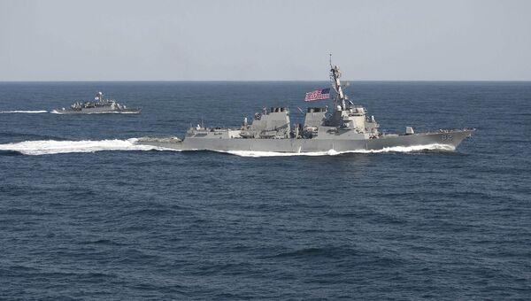 Ракетный эсминец Лассен ВМС США. Март 2015 года