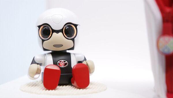 Робот-попутчик сверкал глазами и разговаривал с гостями Токийского автосалона