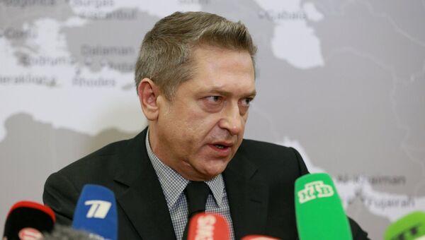 Генеральный директор авиакомпании Когалымавиа Александр Снаговский на пресс-конференции