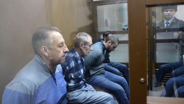 Обвиняемые по делу о крушении поезда в столичном метро 15 июля 2014 года в ожидании приговора в Дорогомиловском суде Москвы