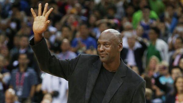 Выдающийся американский баскетболист Майкл Джордан. Октябрь 2015