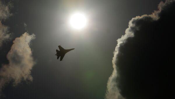 Российский многоцелевой высокоманевренный всепогодный истребитель Су-35. Архивное фото