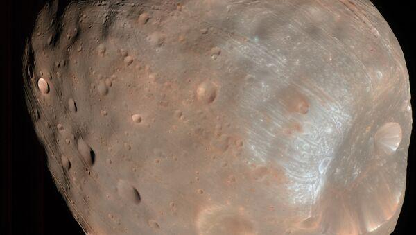 Фобос, спутник Марса, снимок зонда MRO