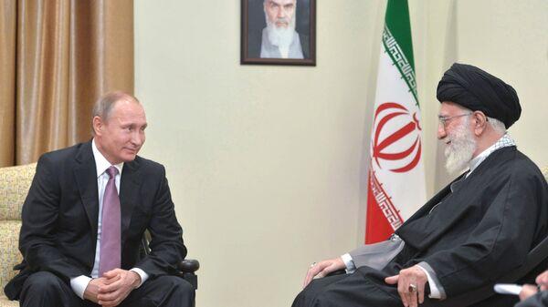 Путин и Хаменеи. Архивное фото
