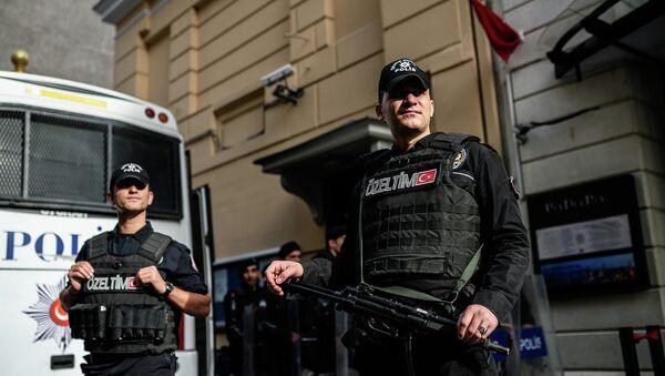 Полиция Турции у российского посольства в Анкаре