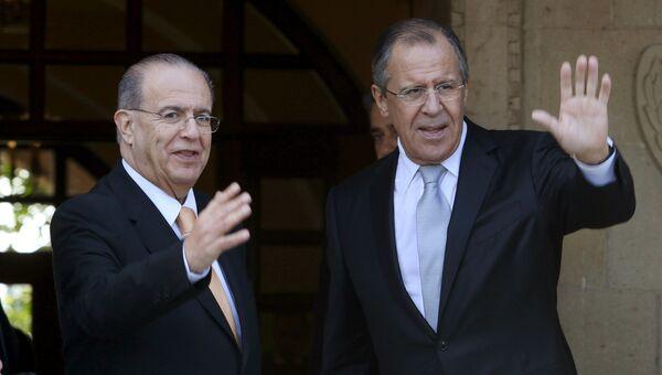Министр иностранных дел России Сергей Лавров и министр иностранных дел Кипра Иоаннис Касулидис во время встречи в Президентском дворце в Никосии, Кипр