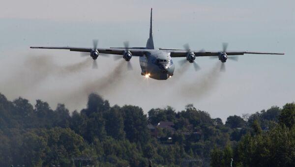Самолет Ан-12. Архивное фото