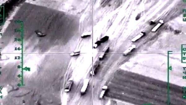 Авиаудар ВКС РФ по колонне автомобилей, перевозящих нефтепродукты в провинции Алеппо в Сирии