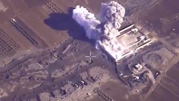 Авиаудары ВКС РФ по объектам ИГ (ДАИШ) в Сирии. Архивное фото